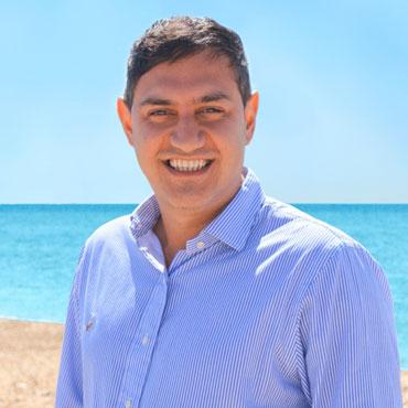 Kayvan Khoroosi FCCA – Partner